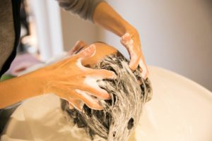 男性の髪の正しい洗い方・乾かし方②